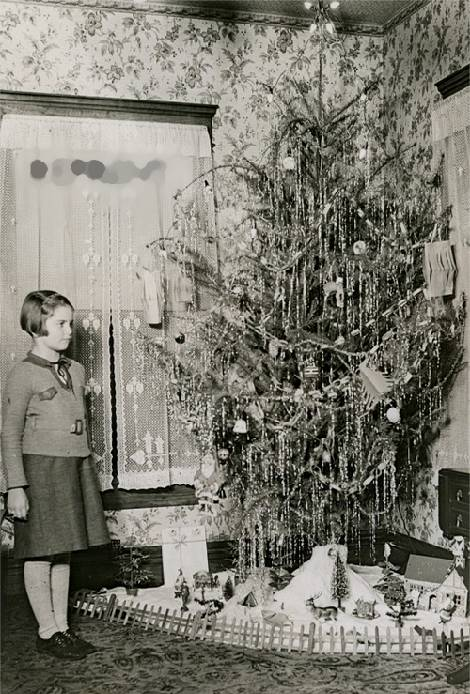 related - Vintage Christmas Photos