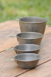 vintage measuring cups