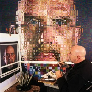 Chuck Close at work from betweenmediums dot com