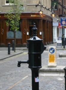 The Broad Street pump in London, across from the John Snow Pub