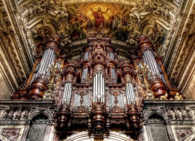 berlin_cathedral___inside_2_by_pingallery-d3ky28o
