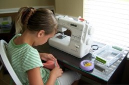 Best-sewing-machine-for-beginners-300x199 from shelikestosew dot com