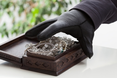 undisclosed-number-of-diamonds-stolen-from-south-african-mine