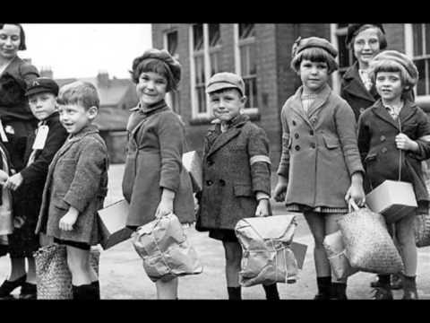 British children evacuate London