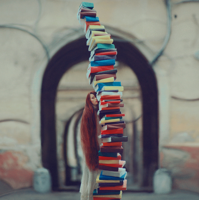 leaning-tower-of-books