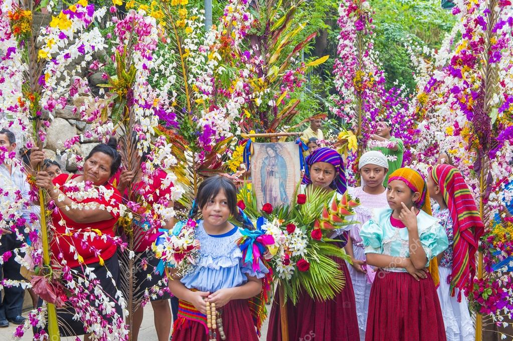 depositphotos_118740606-stock-photo-flower-palm-festival-in-panchimalco